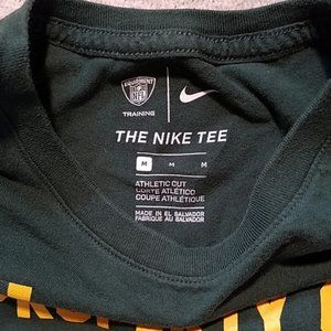 Nike Shirts - NIKE NFL PACKERS GRAPHIC TEE SZ MEDIUM